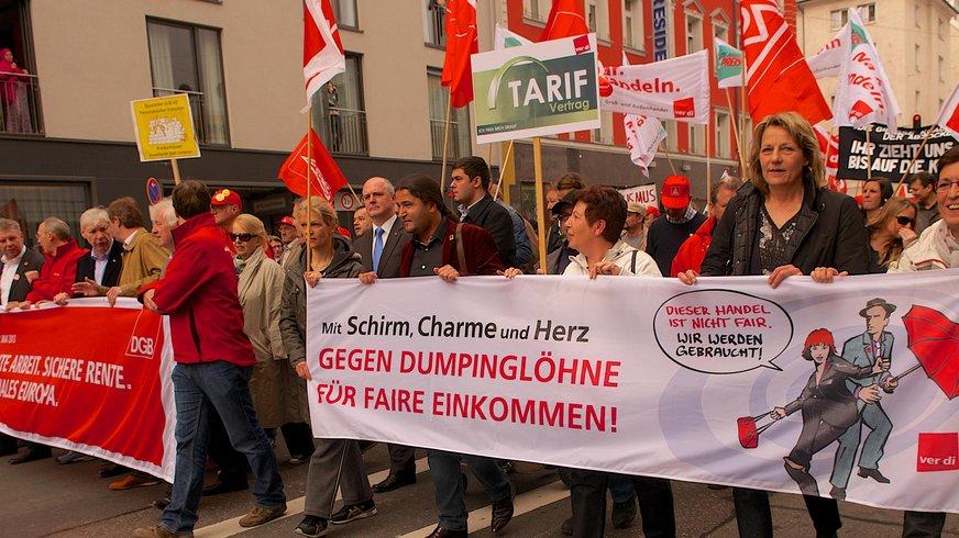 Demonstrationszug während der Tarifauseinandersetzung 2013.